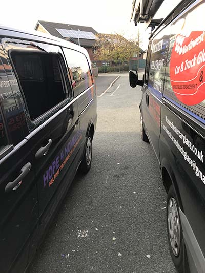 Mercedes Vito Door Glass Replacement - during